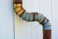 Vecchio tubo industriale sulla pianta immagine stock libera da diritti