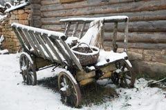 Vecchio vagone all'iarda nella neve Fotografia Stock Libera da Diritti