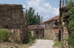 Vecchio villaggio con le case di pietra Fotografia Stock Libera da Diritti