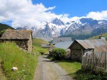 Vecchio villaggio del pastore in alpi francesi Fotografie Stock Libere da Diritti