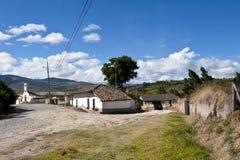 Vecchio villaggio dell'azienda agricola negli altopiani andini Fotografia Stock Libera da Diritti