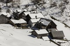 Vecchio villaggio tradizionale nell'inverno nella valle di Meiental Immagine Stock Libera da Diritti