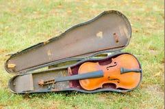 Vecchio violino dal 1928 Fotografie Stock Libere da Diritti