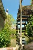 Vecchio watermill arrugginito. Immagini Stock