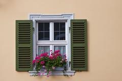 Vecchio Windows ed otturatori Fotografia Stock