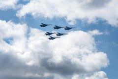 Vechtersstralen in airshow Royalty-vrije Stock Afbeelding