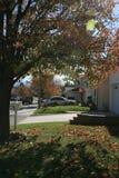 Vecindad en los suburbios Fotos de archivo