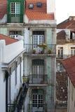 Vecindad Lisboa de Alfama fotografía de archivo libre de regalías