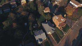 Vecindad occidental de establecimiento aérea de Pennsylvania del tiro en otoño almacen de metraje de vídeo