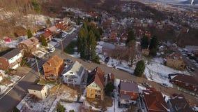 Vecindad residencial del invierno de la opinión de la correa aérea del moho almacen de video