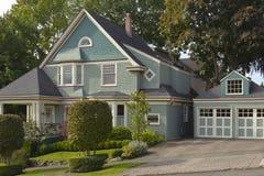 Vecindad Seattle WA de la impulsión de la montaña. Imagen de archivo libre de regalías