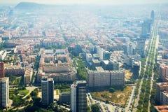 Vecindades modernas de Barcelona en España, visión aérea fotografía de archivo libre de regalías