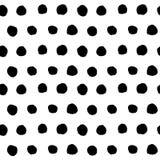 Vecteur sans couture tiré par la main noir de modèle de point de polka Image libre de droits