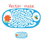 Vector лабиринт, лабиринт с пчелой летания и цветок Стоковая Фотография