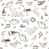 Vector безшовная картина на белом эскизе предпосылки деталей для чаепития Чайник и чашки, конфета, лимон, поддонник Стоковое Изображение RF