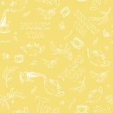 Vector безшовный эскиз картины деталей плюшк-боя и литерности на мягкой желтой предпосылке Чай от политого чайника Стоковое Фото