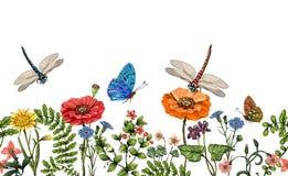 Vector вертикальная граница с dragonflies, бабочками, цветками, травой и заводами Стиль лета Безшовная граница природы иллюстрация вектора