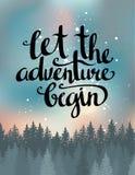 Vector винтажная карточка с лесом, ночным небом и вдохновляющая фраза позволила приключению начать иллюстрация штока