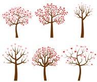 Vector деревья с красным и розовым сердцем сформированные листья Иллюстрация вектора