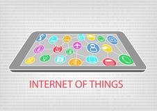 Vector иллюстрация умных телефона или таблетки с соединенными приборами Интернет концепции вещей (IoT) Стоковые Изображения