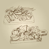 Vector нарисованные рукой закуски эскиза еды холодные, огурцы, томаты, сало, зеленые цвета, специи стоковые изображения rf
