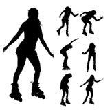Vector силуэт женщины на коньках ролика иллюстрация штока