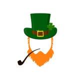 Vector современный плоский значок дизайна на лепреконе дня ` s St. Patrick с зеленой шляпой, красной бородой, куря трубой и никак Стоковые Фото