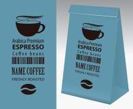 Vector ярлык и бумажная упаковка для кофейных зерен иллюстрация штока