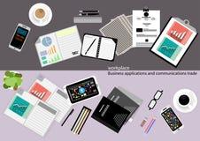 Vector aplicações empresariais do local de trabalho e comunicações com o papel comercial, originais, arquivos, penas, lápis, tele Imagem de Stock