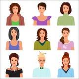 Vector avatars fêmeas das caras do caráter da mulher na roupa diferente e nos penteados Imagens de Stock