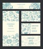 Vector a bandeira da identidade, folheto, moldes do cartão ajustados com frutas e legumes esboçadas garatuja ilustração royalty free