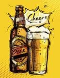 Vector Bild einer Bierflasche und des Bechers Bieres auf einem gelben Hintergrund lizenzfreie stockfotos