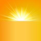 Vector brillante del sol, rayos de sol, rayos solares Fotos de archivo libres de regalías