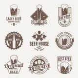 Vector bruine bierembleem, pictogrammen en ontwerpelementen vector illustratie