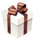 Vector a caixa de presente branca com fita de seda e curve-a Ilustração Royalty Free