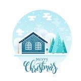 Vector a casa de campo lisa do estilo com abetos vermelhos e árvores com citações da rotulação - Feliz Natal Está nevando agora Imagem de Stock