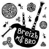 Vector Celtic symbols and biniou breton bigpipe silhouette with sign Breizh Ma Bro Royalty Free Stock Photography