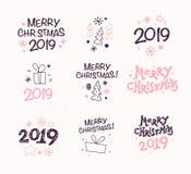 Vector a coleção de composições das felicitações do Feliz Natal com ícones tradicionais do texto e da decoração do esboço ilustração royalty free