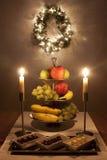 Vector con las frutas y los dulces en la Navidad Imagenes de archivo
