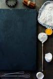 Vector con los ingredientes de la hornada Foto de archivo libre de regalías