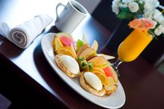 Vector de desayuno en el hotel Imagen de archivo libre de regalías