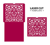 Vector de envelopkaart van de laserbesnoeiing temlate met abstract ornament C Royalty-vrije Stock Fotografie