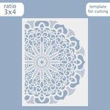Vector de la plantilla de la tarjeta de la invitación de la boda del corte del laser Corte la tarjeta de papel con el modelo del  ilustración del vector