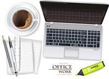Vector de la taza del ordenador portátil y de café realista mofa de la colocación del producto para arriba Ejemplos de los materi libre illustration