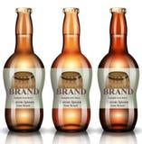 Vector de las botellas de cerveza realista Diseño de empaquetado de la etiqueta del vintage del producto los ejemplos 3d imitan p ilustración del vector