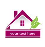 Vector de las propiedades inmobiliarias de la casa y de las hojas del logotipo Imagen de archivo