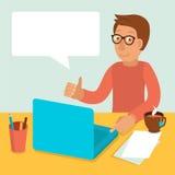 Vector den Charakter, der an Laptop in der flachen Art arbeitet lizenzfreie abbildung