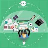 Vector den Geschäftsmann denkt die Arbeit zur weiten Welt mit Arbeitsplätzen und Papier Stockbild