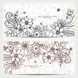 Vector die Illustration der Karte mit Blumenfahnen Zen Tangle und kritzeln Stockfoto