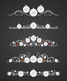 Vector divisores do texto com bola do Natal e o floco de neve decorativo Imagem de Stock